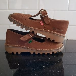 Kickers Girl Shoes .